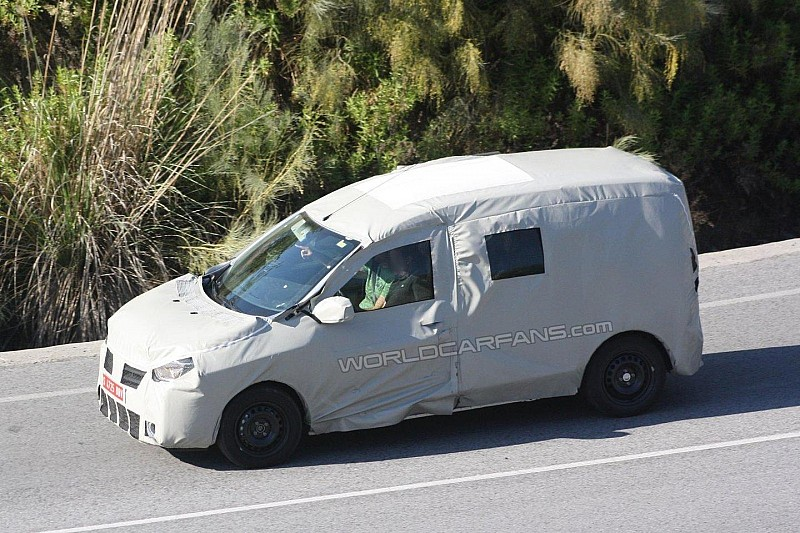 Dacia Popster MPV spied for the first time in Southern Europe