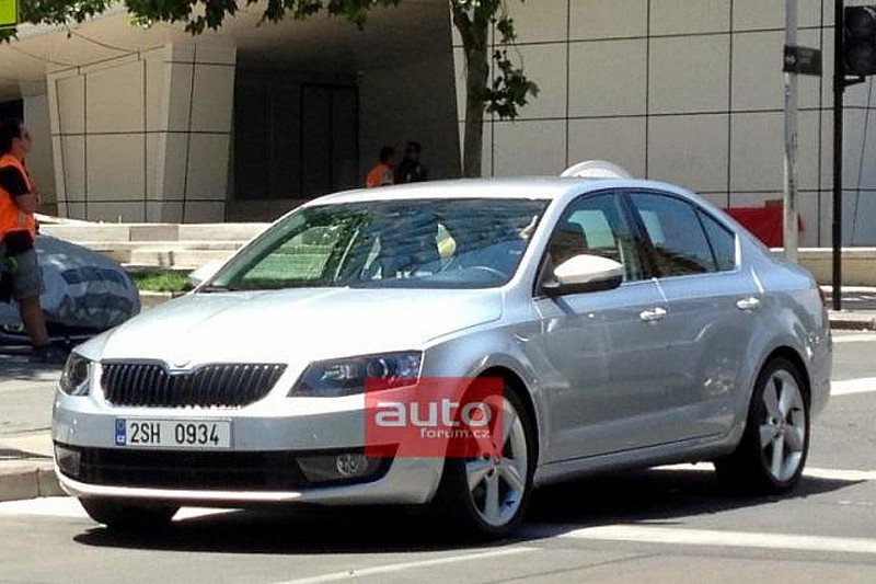 2013 Skoda Octavia sedan shows its face, new teasers released