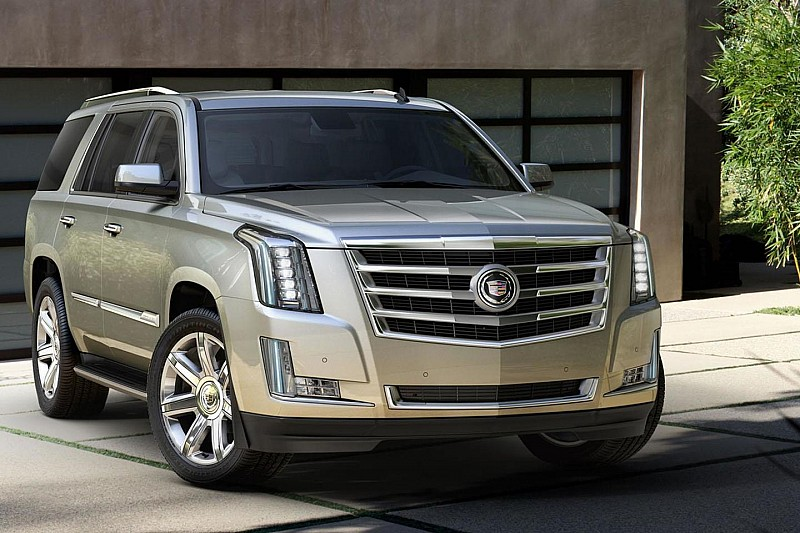 2015 Cadillac Escalade gets detailed, will offer three trim levels