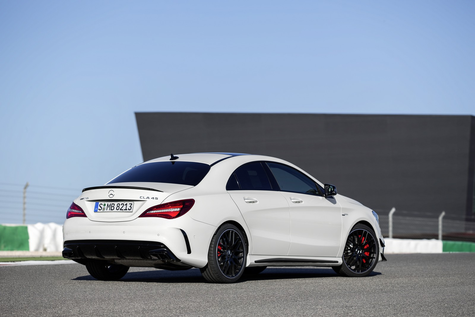 mercedes benz cla facelift sedan shooting brake amg 2016 mercedes benz autopareri. Black Bedroom Furniture Sets. Home Design Ideas